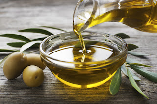 10 Benefits Of Olive Oil For Hair And How Its use