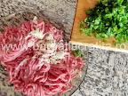 Rulada de carne tocata cu pesmet preparare reteta - punem patrunjel tocat