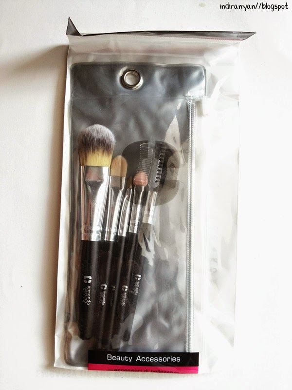 http://www.ayoubeauty.com/products/b505-travel-essential-brush-set