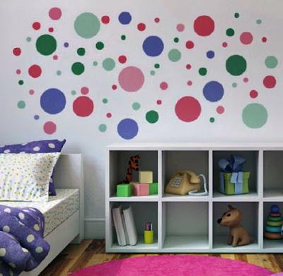 kamar anak motif polkadots