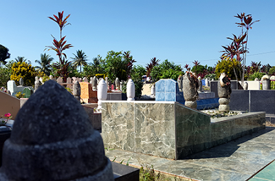 Pemakaman, Ziarah, dan Egoisme