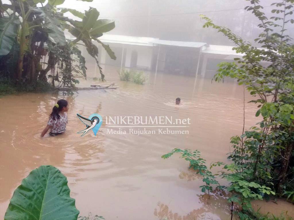 Akibat Banjir, 446 KK di Kecamatan Ayah Terisolir