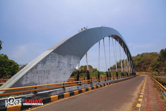 pantai ungapan, jembatan bajul mati, malang