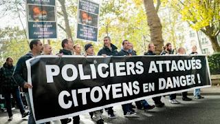 https://www.facebook.com/Les-Citoyens-avec-la-Police-111413232878370/