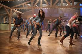 Country Heat is a fun  way to get fit and lose weight while dancing to your favorite country music. Here are 6 tips to help you get the best results. Email coach Brenda Ajay for more information coachbrendaajay@gmail.com
