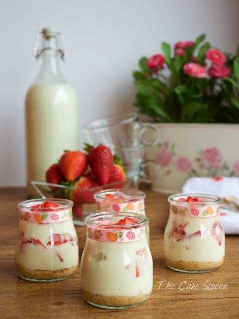 Yogur natural con spéculoos y fresas