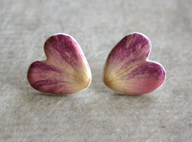 Botanist in Love Jewelry by HandmadeHome- real flower petals