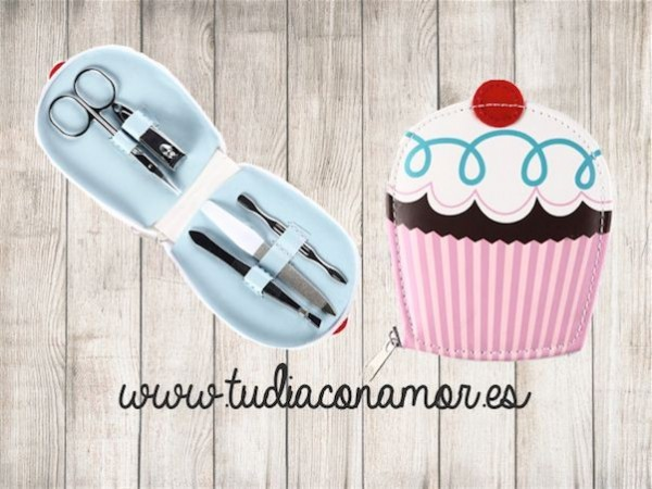 Un set de manicura monísimo con forma de cupcake ideal como recuerdo para vuestras invitadas
