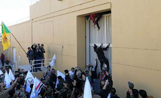 Demonstran Irak Kepung Kedubes Amerika Serikat