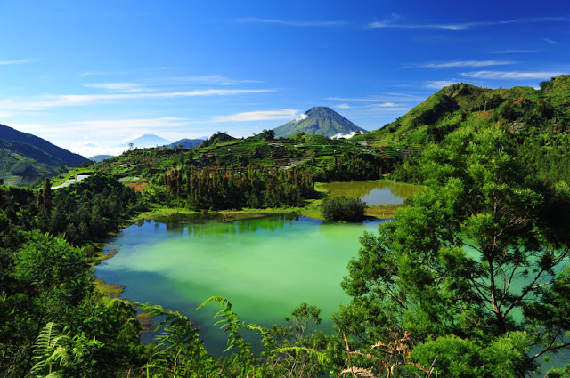 Obyek wisata hits Telaga Warna di dieng