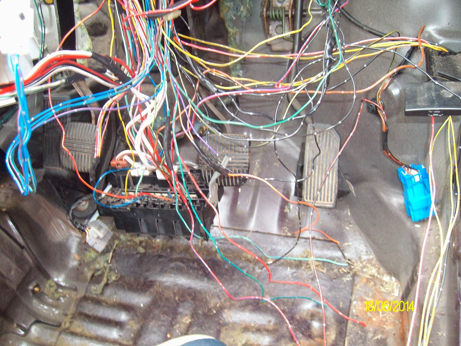 Autograss racing on a budget: Electrical wiring - bomb ...