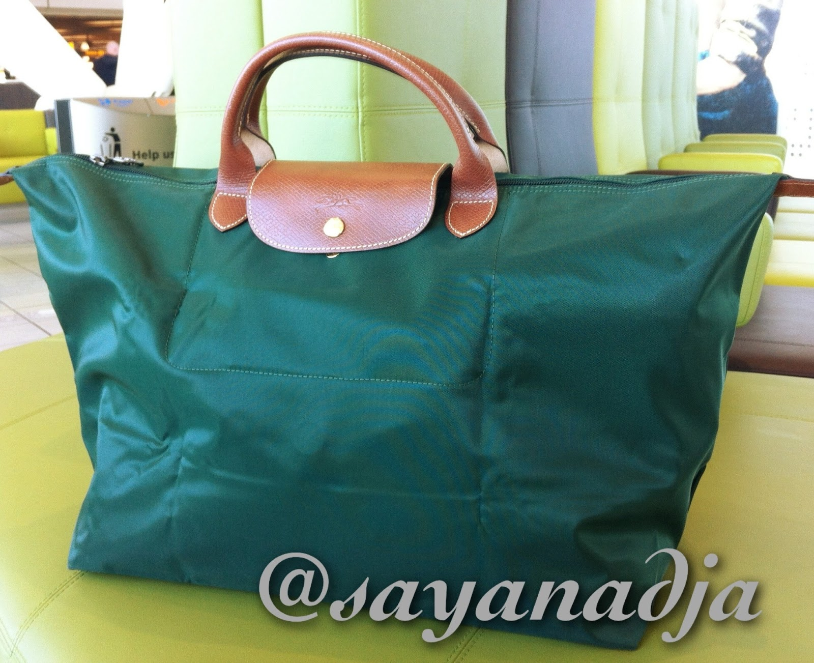 Travel with style  Longchamp Le Pliage Travel Bag in Fir 7c53087a9e1f2