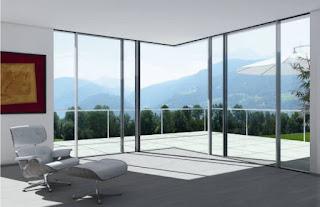 Świetliste wnętrza na jesień – panoramiczne drzwi przesuwne Schüco ASS 77 PD.HI