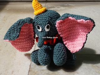 Dumbo the flying elephant pattern, free crochet Dumbo elephant pattern, free crochet elephant amigurumi pattern, free crochet elephant stuff toy pattern,