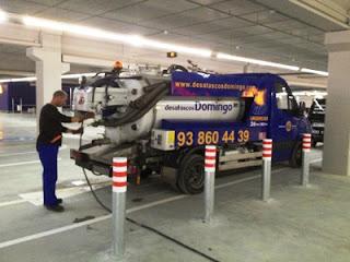 Limpieza a presión con camión cisterna en Terrassa