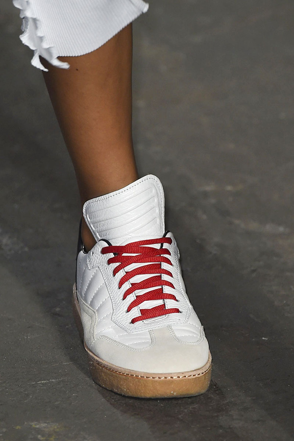 11 bằng chứng cho thấy giảy tăng chiều cao nữ sneaker vẫn đáng được sở hữu trong năm 20106