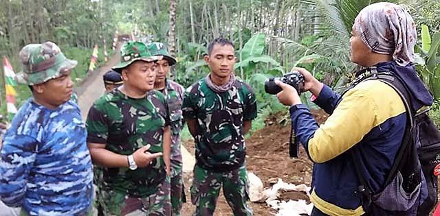 TMMD Akan Usai, Prajurit Siap-Siap Jawab Pertanyaan Wartawan