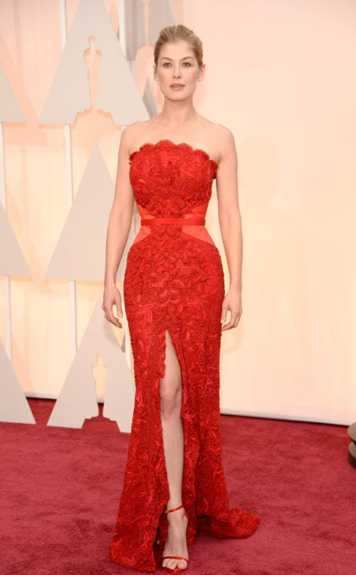 Rosamund Pike in Givenchy at the Academy Awards 2015