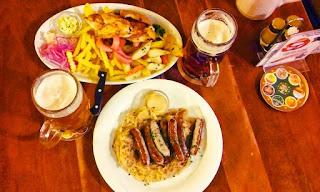 Kiełbaski i mięsny miks austriacki