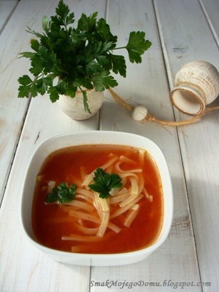 Zupa pomidorowa ze świeżych, letnich pomidorów