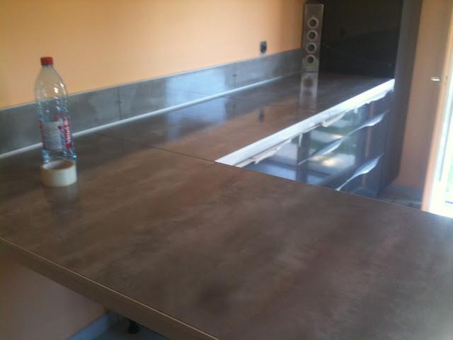 concept carrelage cr ation cr dence et plan de travail en 80x80 cm gris. Black Bedroom Furniture Sets. Home Design Ideas
