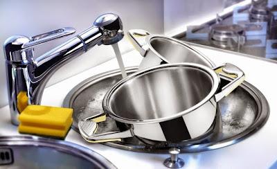 Meglio-lavare-i-piatti-in-lavastoviglie-o-a-mano