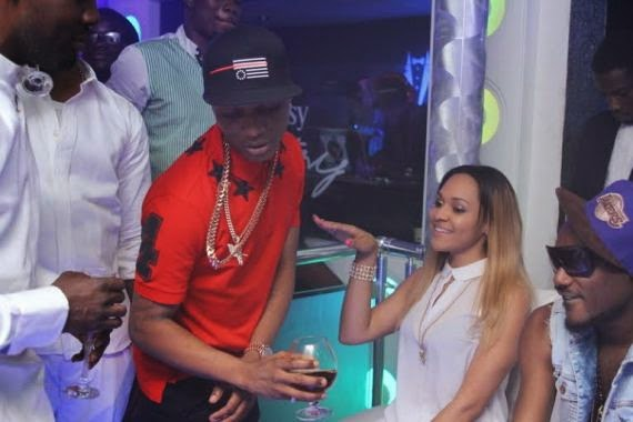 00 Wizkid Parties With Girlfiend At Hennessy Artistry Club Tour [See Photo]