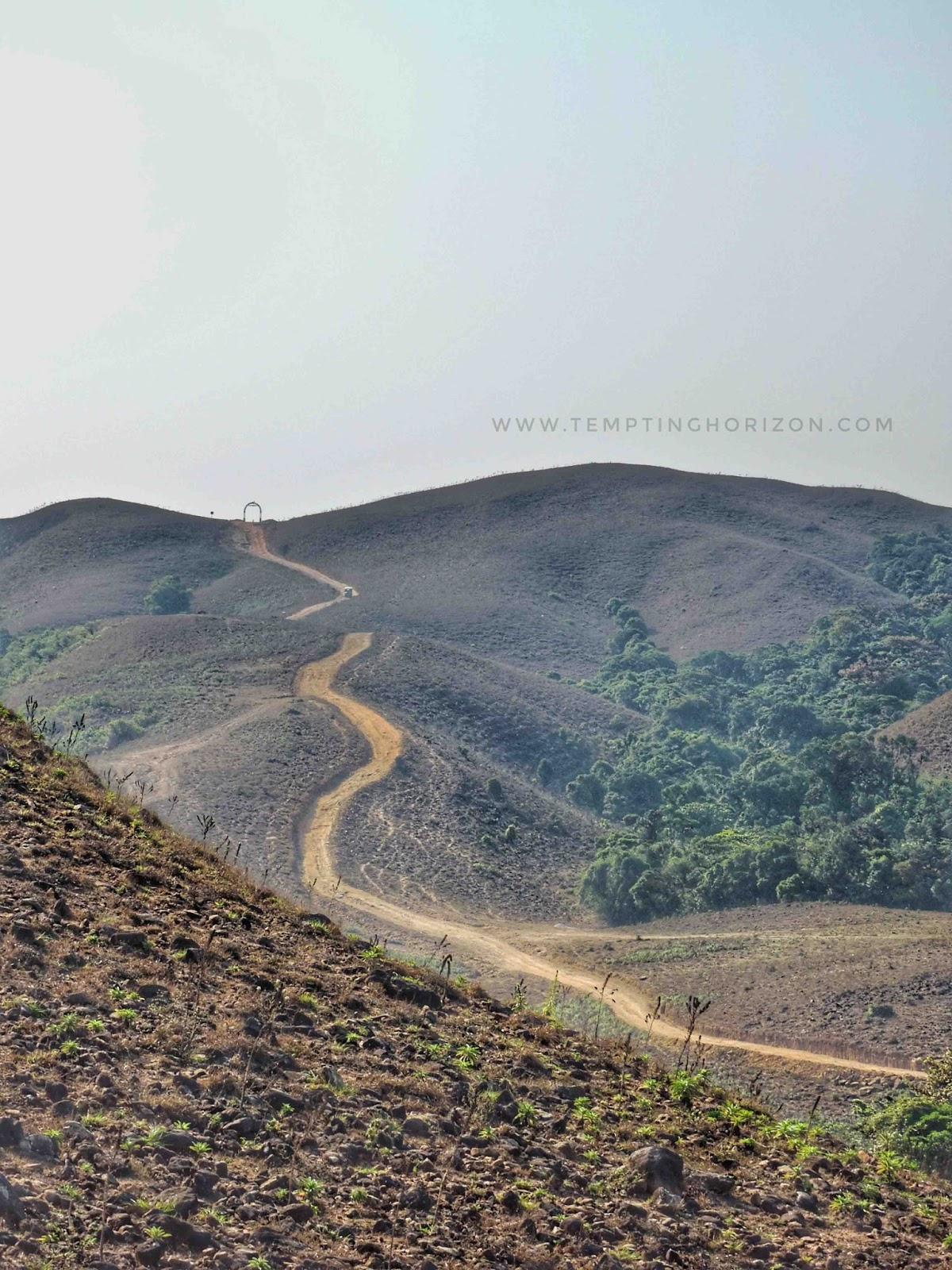 trekking to mandalpatti