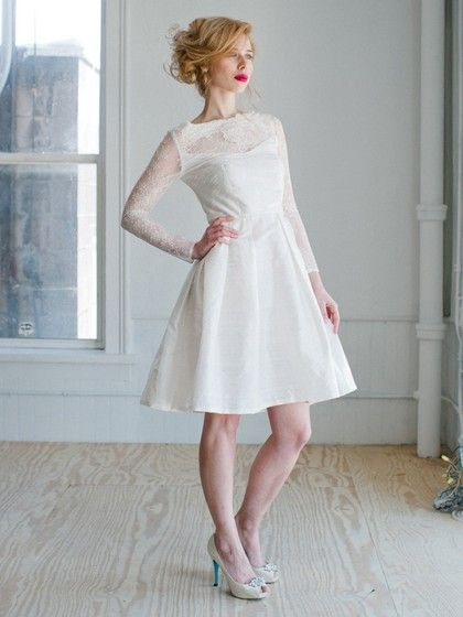 2017 Ultimate wedding trends: 50's look and shirt skirt. Dress by MillyBridal UK