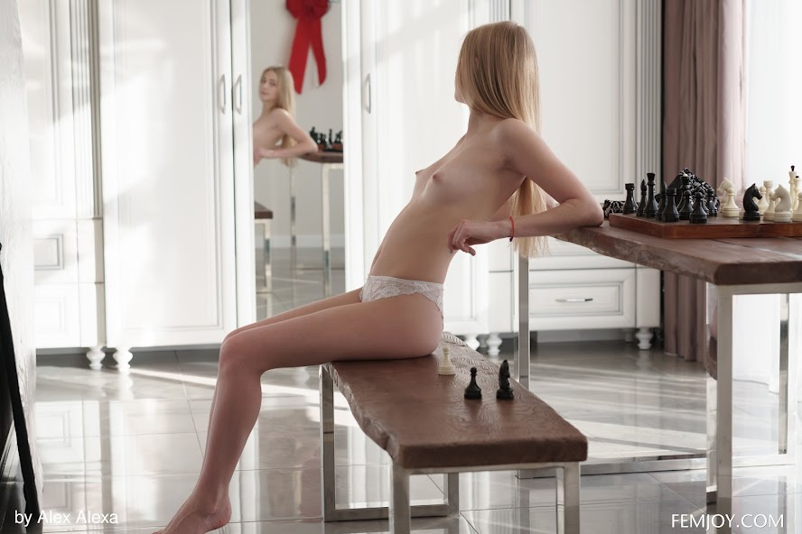 4451376360 [FemJoy] Elizabeth Evans - Checkmate re