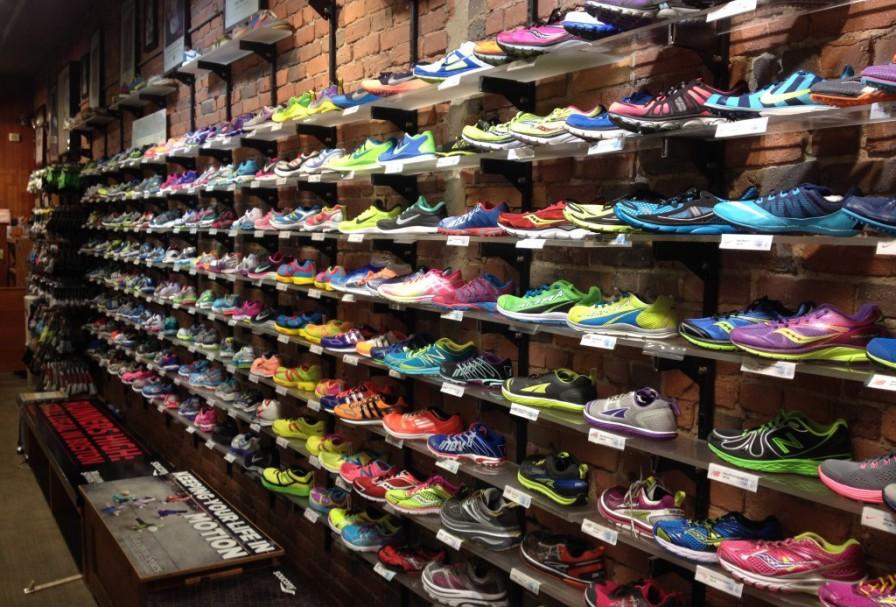 6b57c33423d Onde comprar tênis de corrida e futebol em Orlando