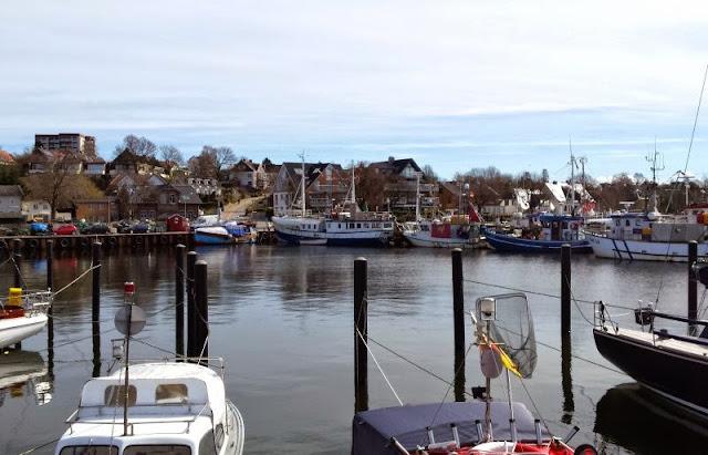 Unser Osterspaziergang in Heikendorf Möltenort Spaziergang Kieler Förde Strand Meer Hafen