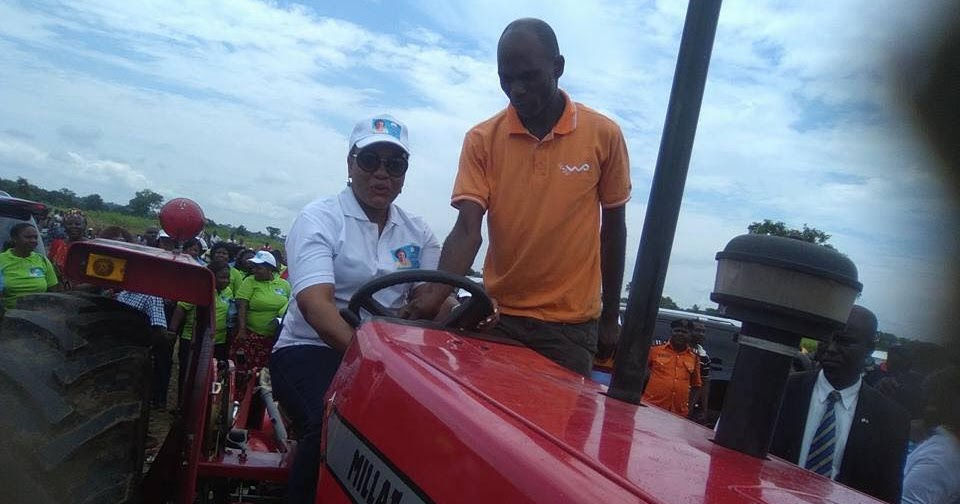 Loans With No Job Verification >> SEE WHAT WIFE OF BENUE STATE GOVERNOR IS DOING TO EMPOWER PEOPLE IN THE STATE