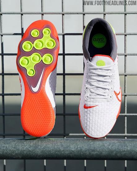 Tomar un baño Derritiendo partícula  All-New Nike React Gato Futsal Shoes Released - Footy Headlines