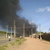 Enorme coluna de fumaça chama atenção de moradores na ZN