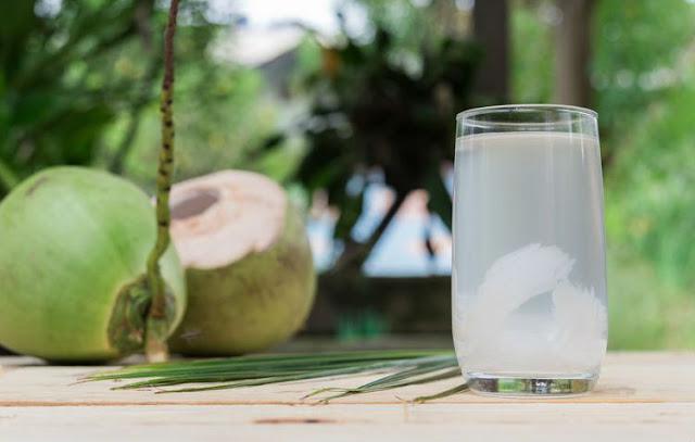 10 Efek Samping Air Kelapa Yang Mungkin Tidak Anda Ketahui