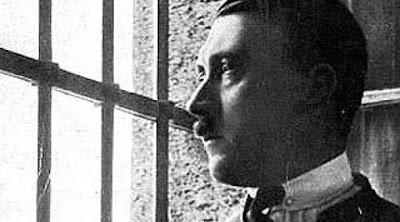 Buku yang Membuat Hitler Kaya Raya