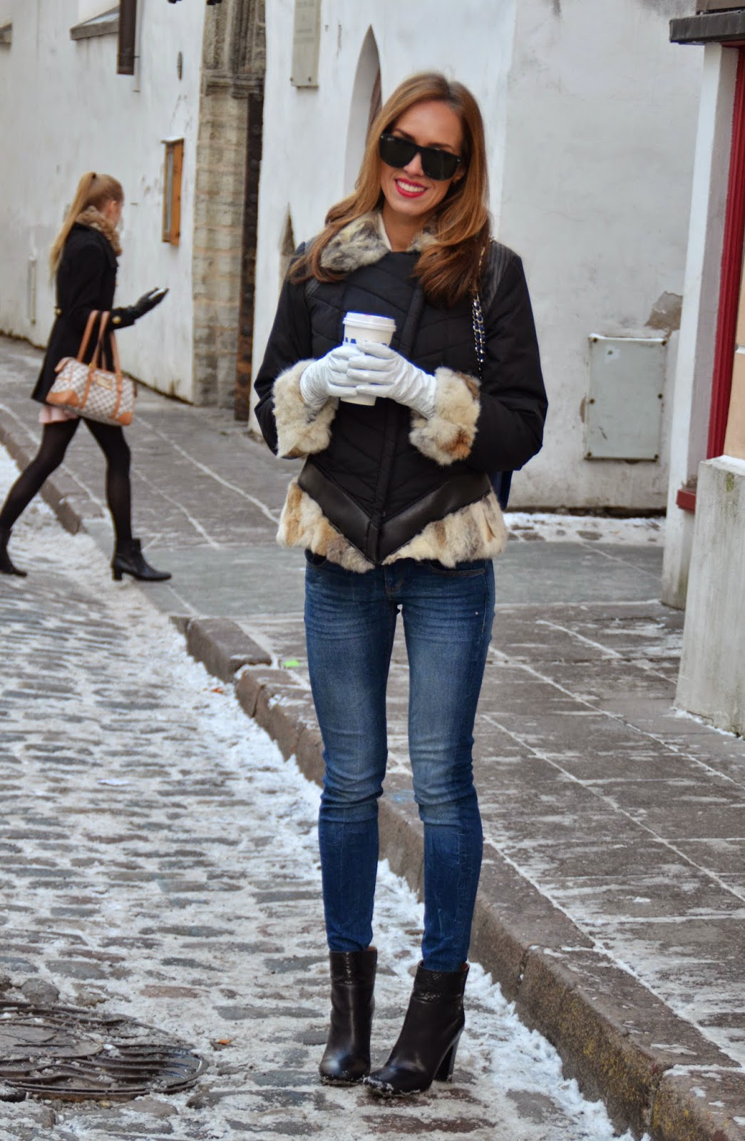 winter-outfit-rino-pelle-fur-coat-guess-jeans-chloe-boots