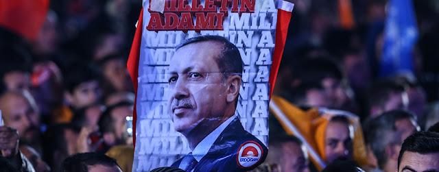 Ο επίδοξος σουλτάνος, το δημοψήφισμα και οι «τρεις Τουρκίες»