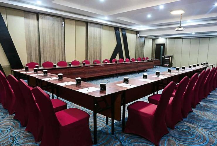 Mercure Palu Hotel adalah pilihan akomodasi yang tepat ketika mengunjungi Palu.