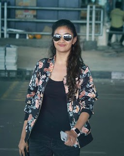 Keerthy Suresh in Black Dress with Cute and Awesome Smile at Hyderabad AirPort 4