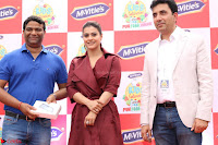 Kajol Looks super cute at the Launch of a New product McVites on 1st April 2017 11.JPG