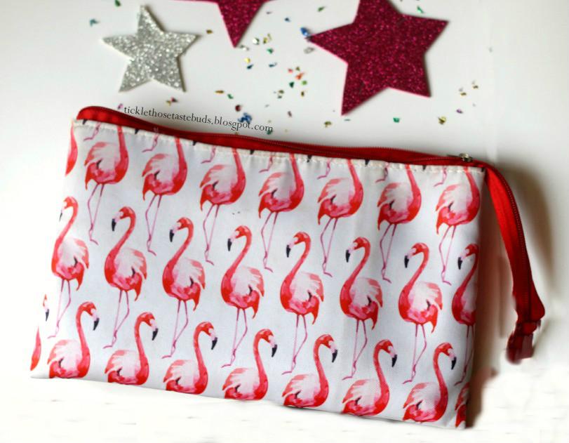 Flamingo-Makeup-Bag-Ticklethosetastebuds