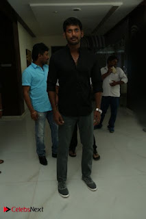 Vishal Sri Divya Pictures at Rayudu Movie Success Meet 0001
