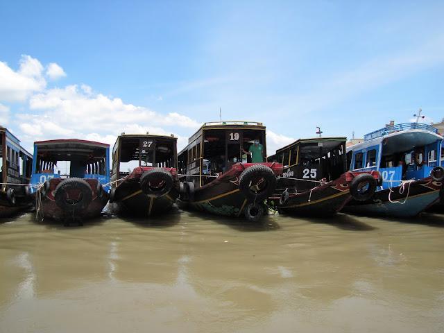 tour boats mekong delta vietnam