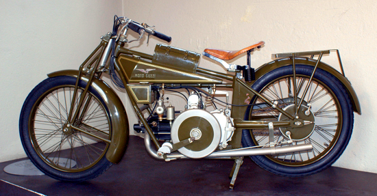 Moto Guzzi Normale 1920 - left/A