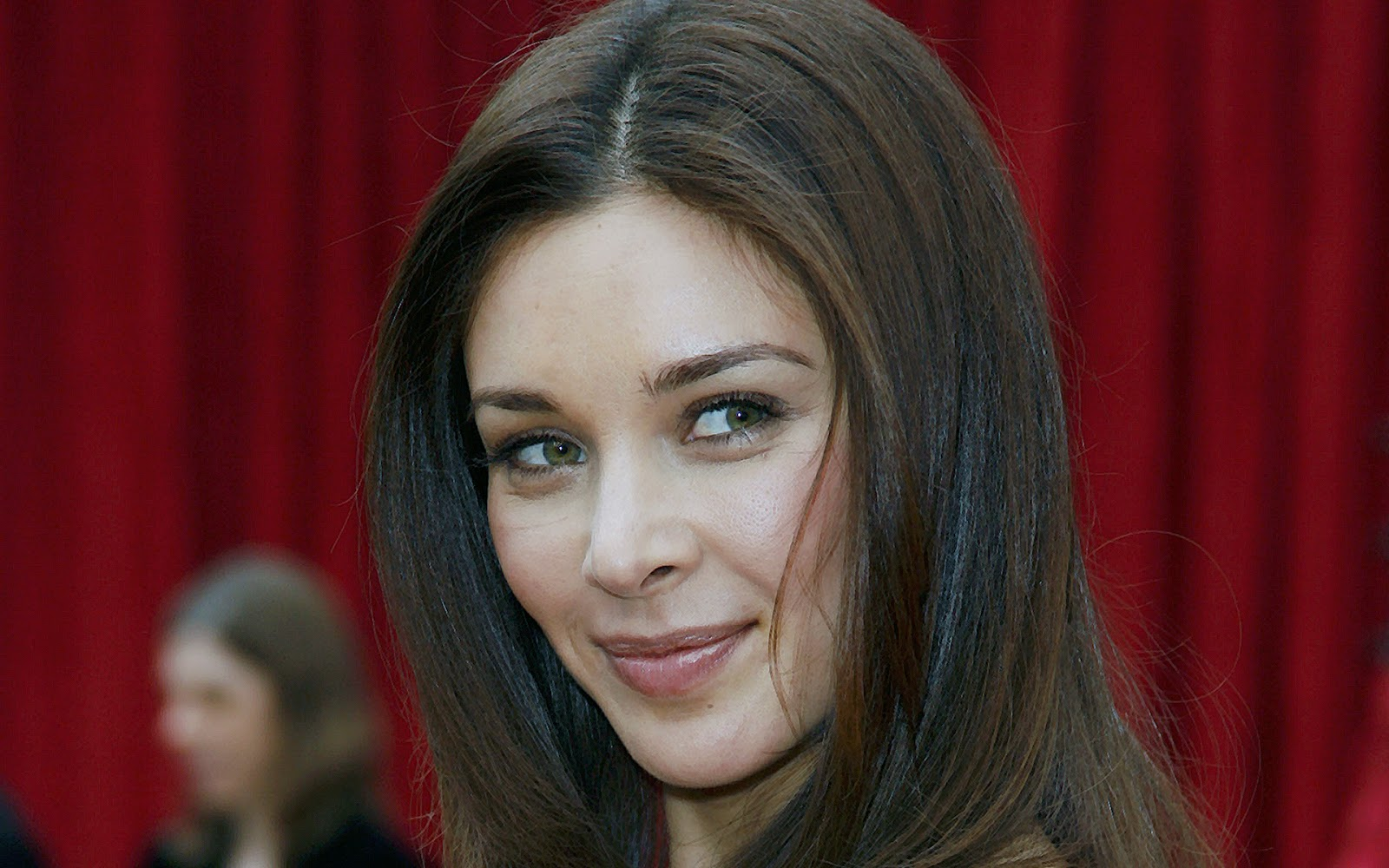 Lisa Ray Wallpapers Free Download