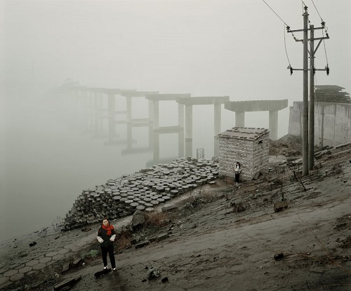 """Broken bridge in Wanzhou"" por Jiagang Chen, 2009."