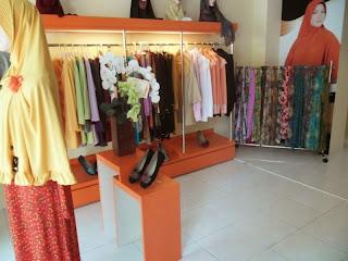 interior toko pakaian cantiqu semarang 03
