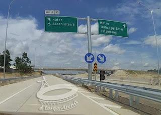 belok kiri keluar menuju Natar atau Bandara Raden Inten II